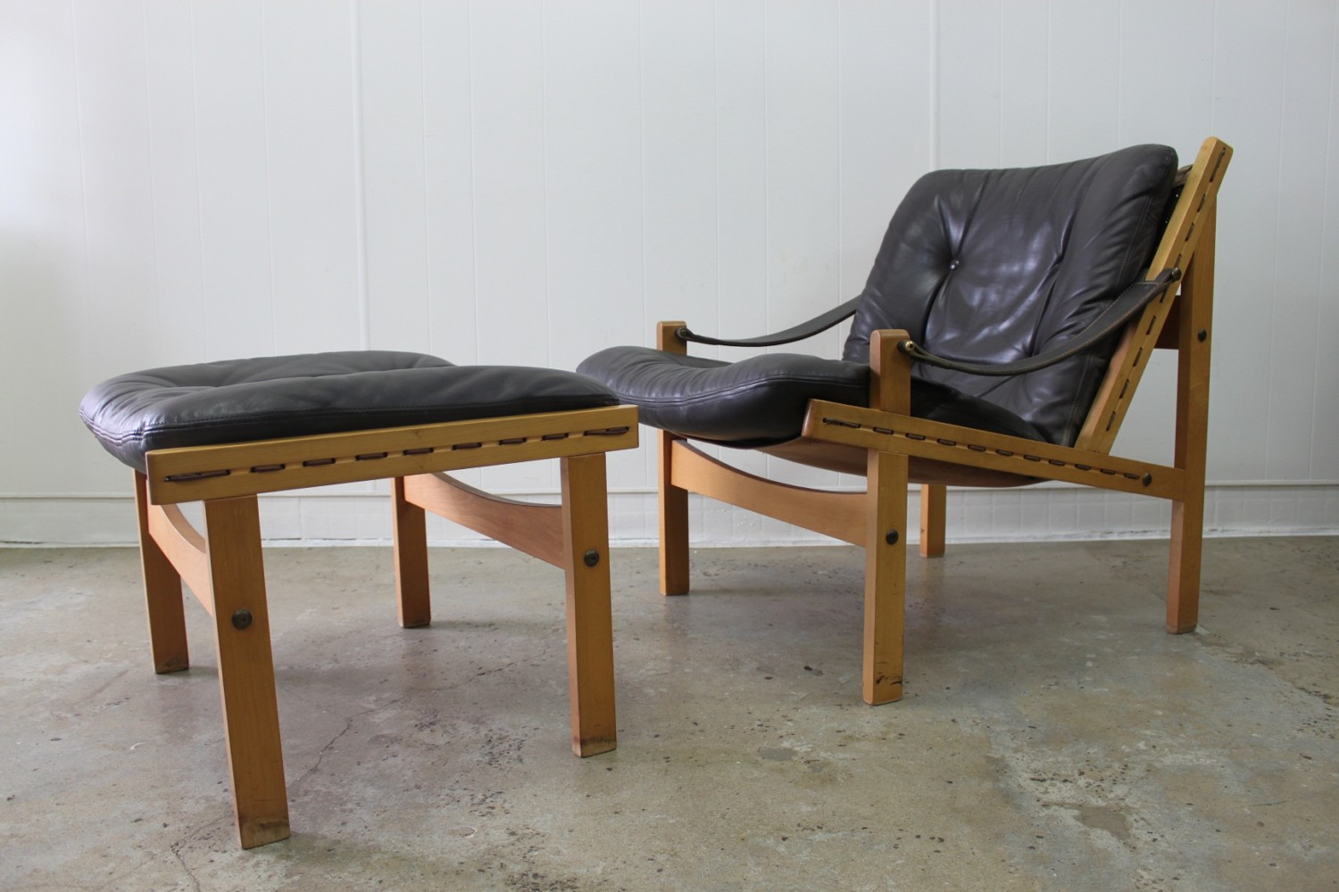 Safari Leather Lounger