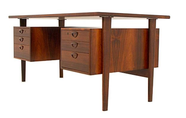 Rosewood Desk by Kai Kristiansen – Coming soon…