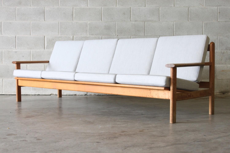 Sofa by Frem Rojle