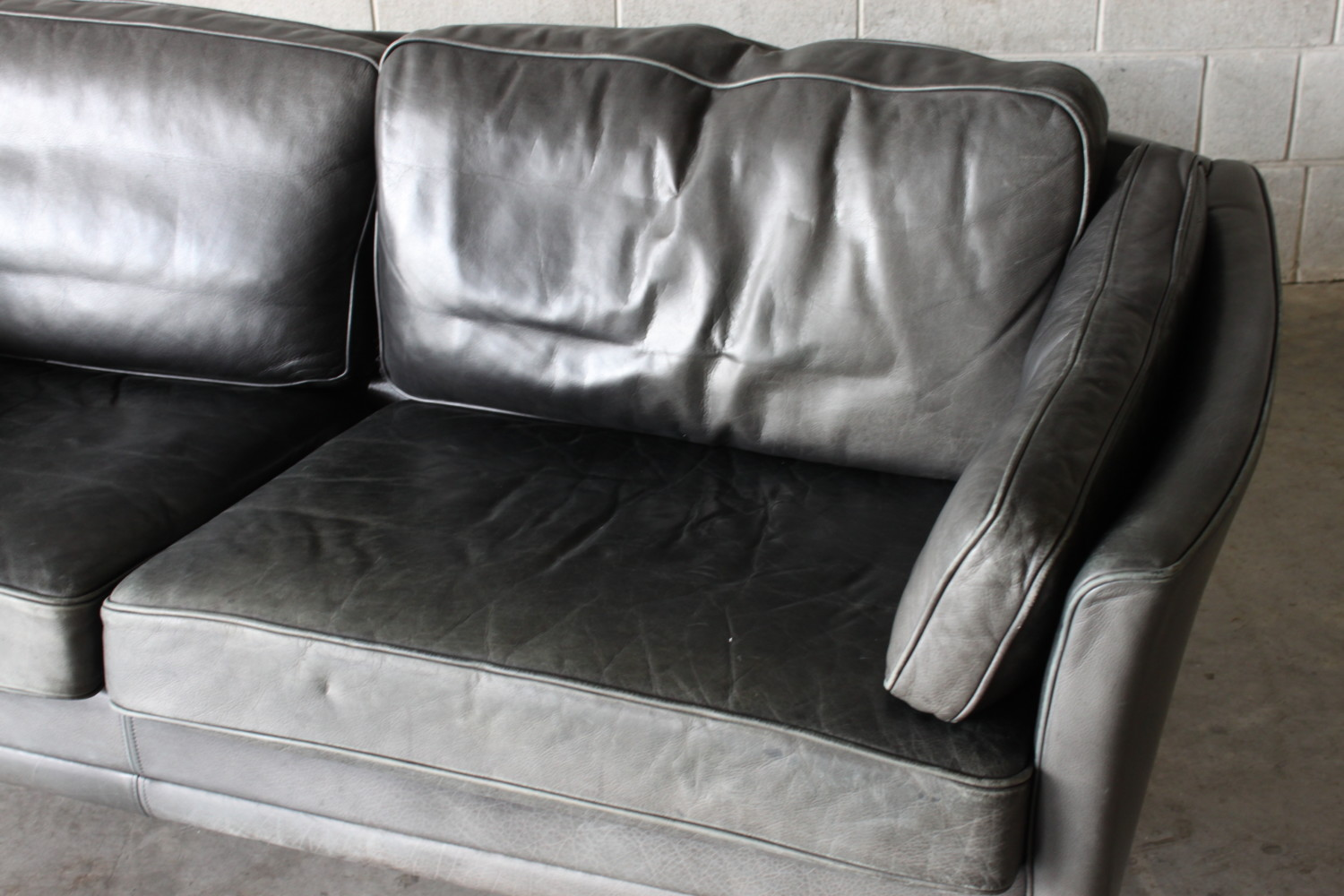 Leather 2.5 Seater Sofa