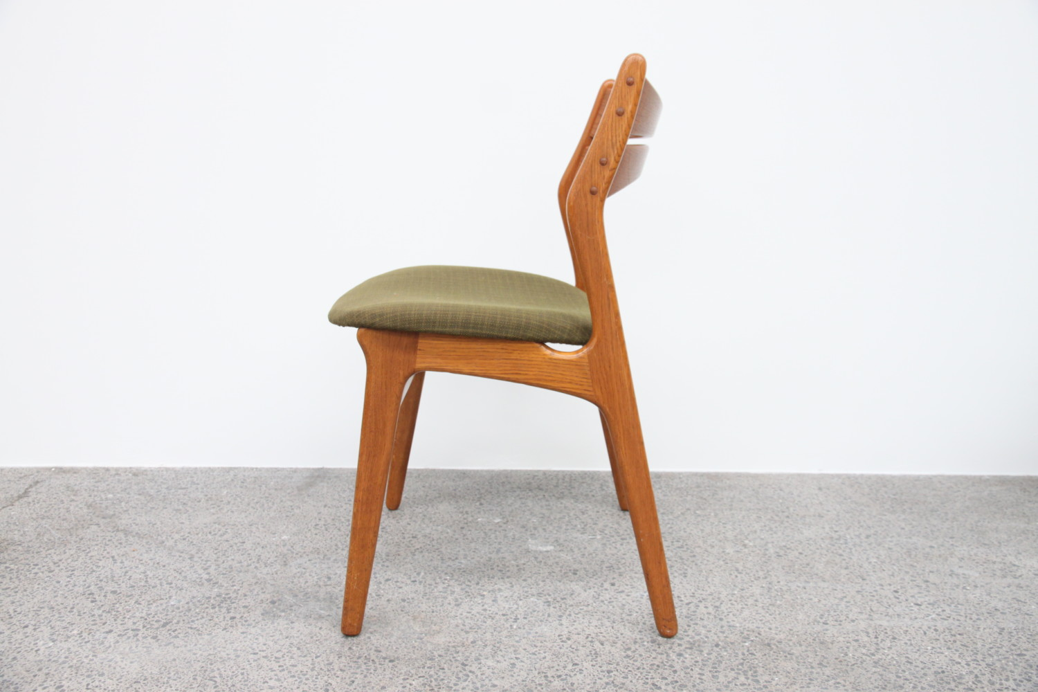 Oak dining chairs by Erik Buch