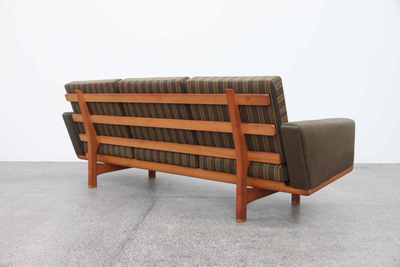 Sofa by Hans Wegner