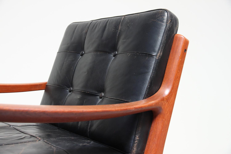 Senator Chair With Black Leather