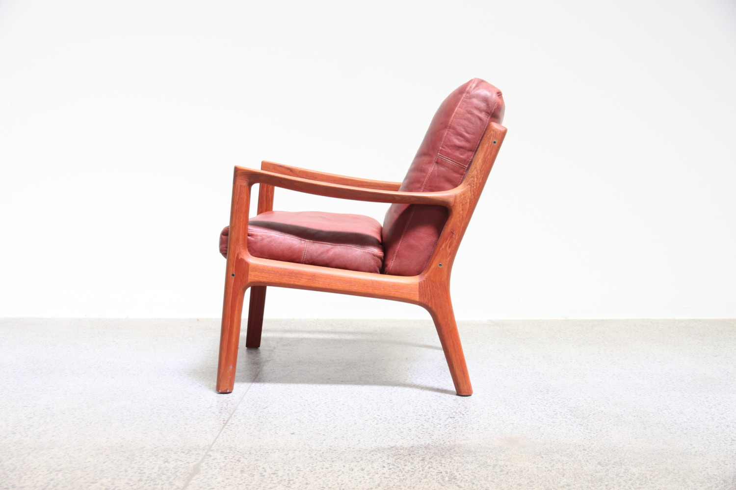Senator Lounge Chair