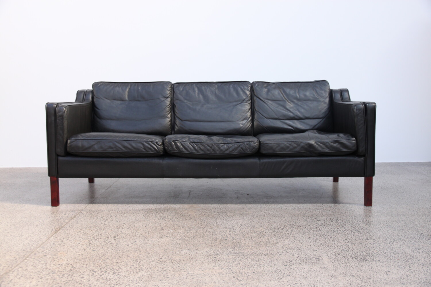 Sofa by Stouby