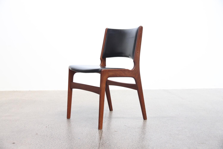 Danish Chairs x8 by Johannes Andersen