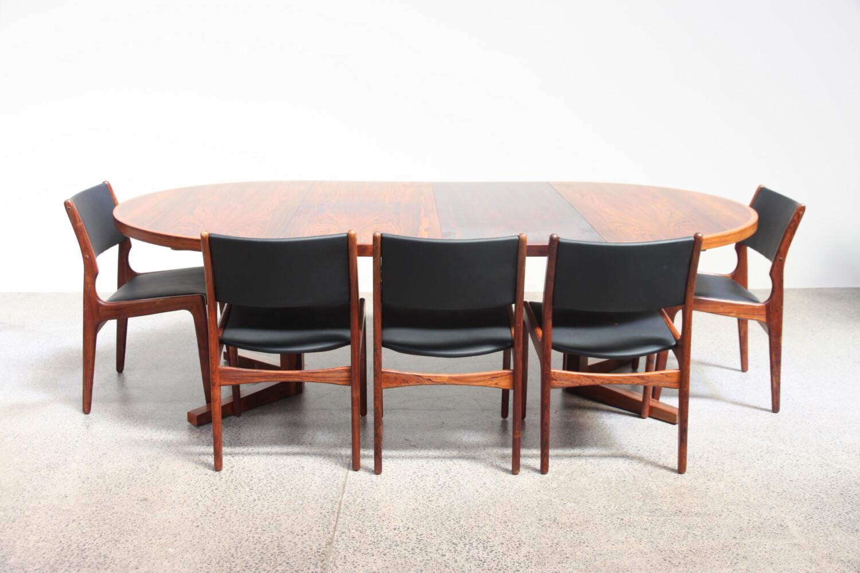 Rosewood Pedestal Table
